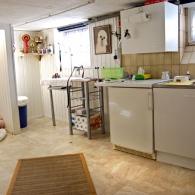Unser Welpenraum mit Futterküche und Groomingplatz